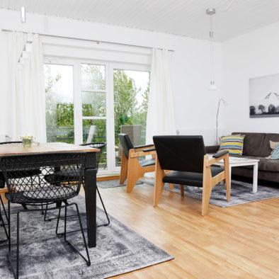 Ess- und Wohnzimmer der Ferienwohnung Dörpskieker