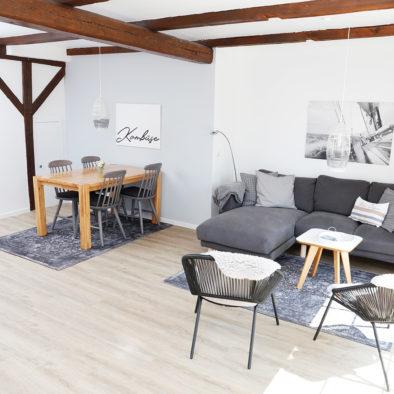 Wohn- und Esszimmer der Ferienwohnung ole Backstuv